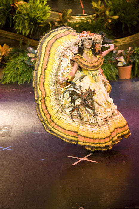 Miss Universe National Costume Presentation » ECUADOR : ecuador national costume  - Germanpascual.Com